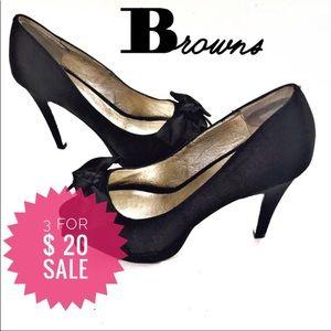 Browns satin bow heels Sz 6.5